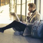 How To Effortlessly Manage Your Expenses While Travelling